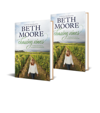 Preorder Offers For Chasing Vines By Beth Moore Tyndale House Publishers